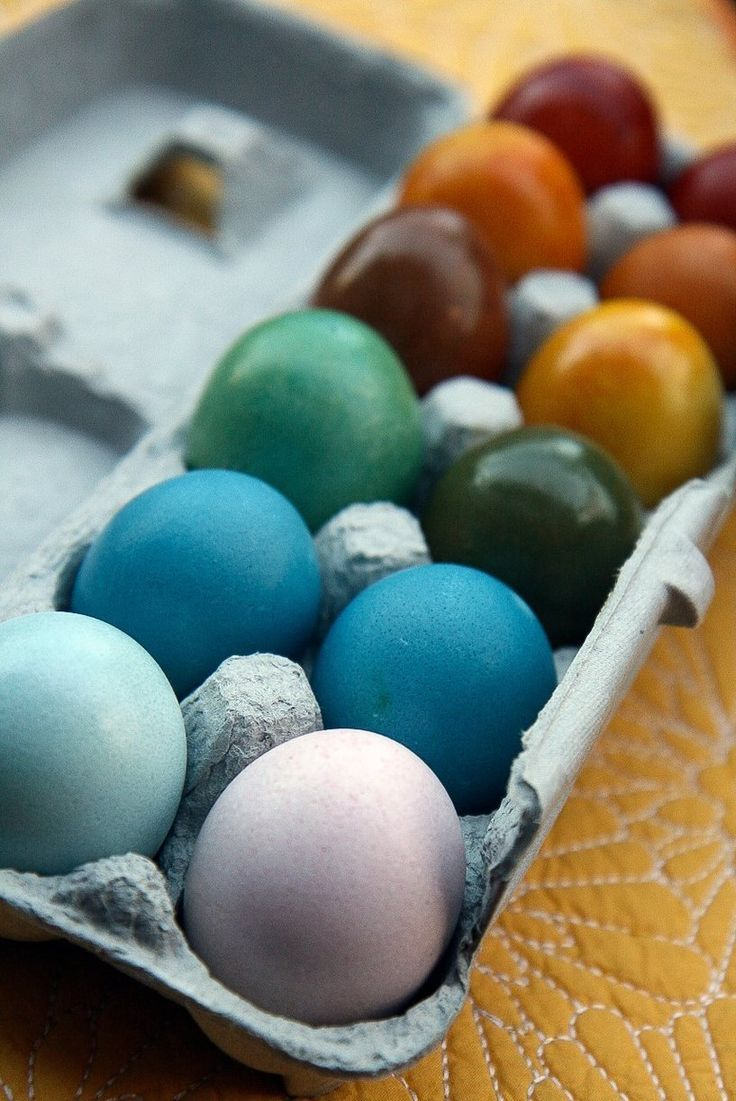 Vibrant, Naturally Dyed Easter Eggs
