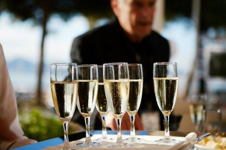 #sparklingwine #italianwine #Cannes #winery #sparkling #desserwine #whitewine