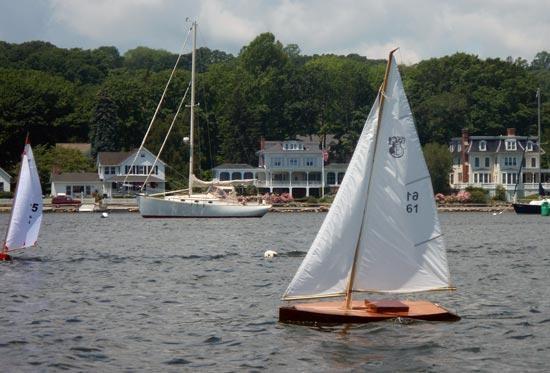 ... Sailing Model Kit: Independence One-Design Radio Control Racing Yachts