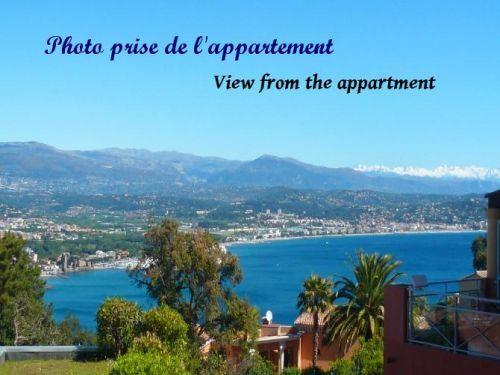 T2, splendide vue mer, parking, piscine: Vue mer depuis la terrasse - France-Voyage.com