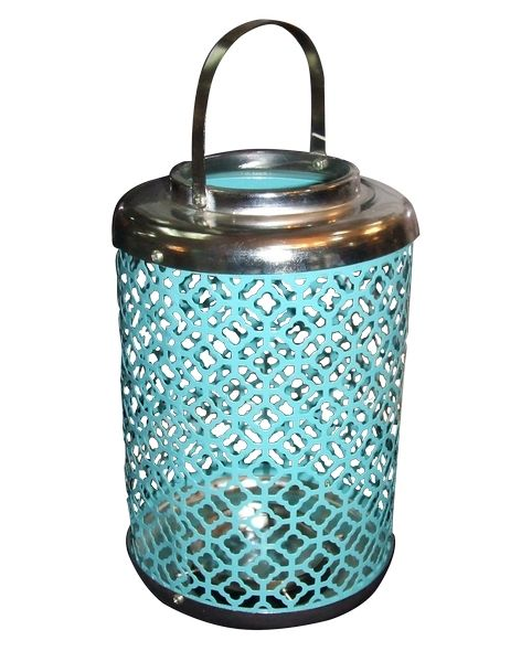 Candelabro de metal calado azul turquesa con asa plateada. Galerías el Triunfo