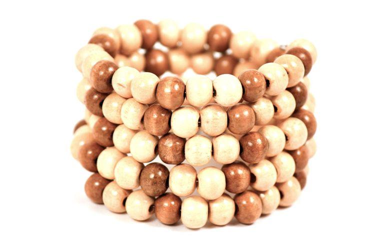 Dale el toque natural a tu ropa con las pulseras de madera. Pulsera Orígen: http://latiendademaga.com/index.php/semillas-y-madera?page=shop.product_details=flypage.tpl_id=60_id=9