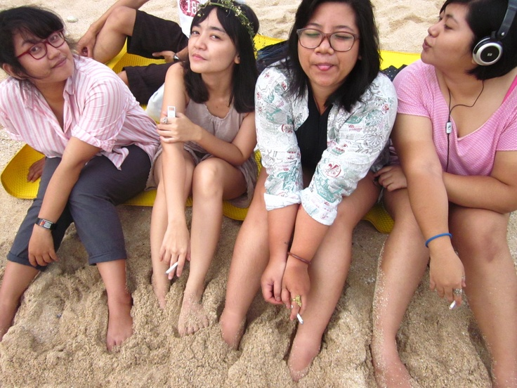 a quick trip to the beach with bestfriends. we got the perfect light to take some pictures.    Pantai Ngobaran, Gunung Kidul, Yogyakarta.