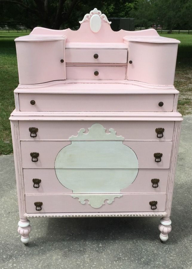 Fabulous Furniture Friday Feature - White Lace Cottage