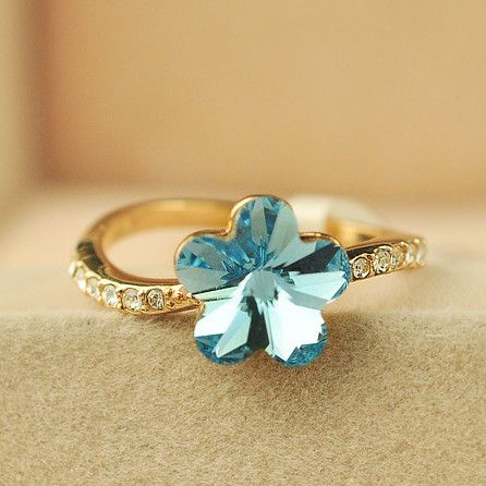 Attractive 18K Gold Crystal Flowers Women's Rings