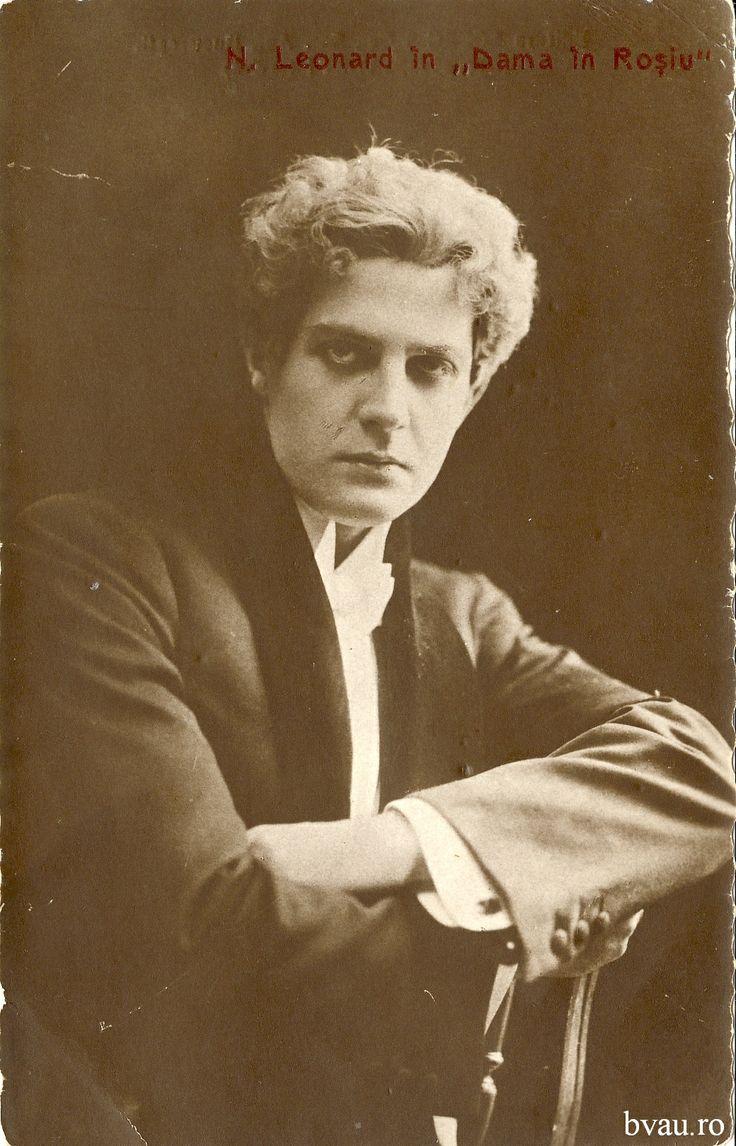 """Nae Leonard în """"Dama în Roşiu"""", România, 1913 - 1914. Imagine din colecţiile Bibliotecii Judeţene """"V.A. Urechia"""" Galaţi."""