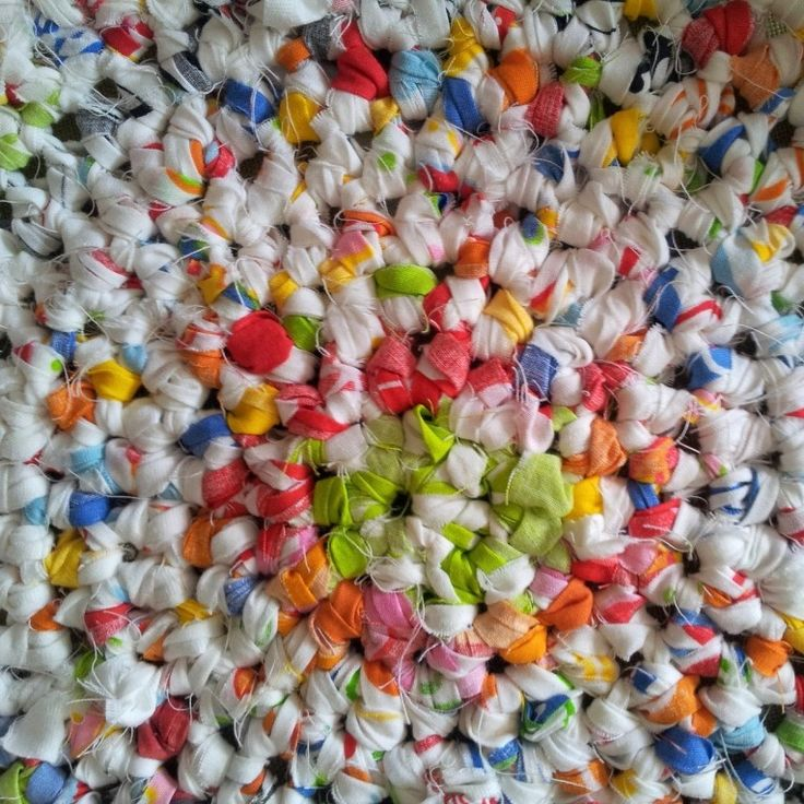 Learn How To Crochet A Round Rag Rug By Look At What I