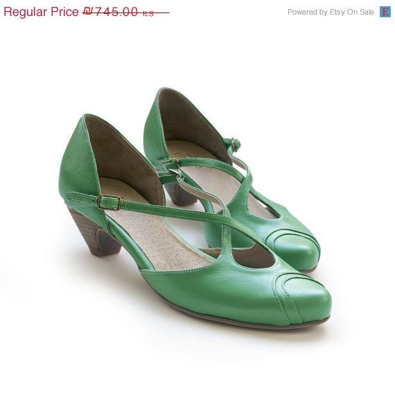 Vintage style retro reproduction shoes Art Deco 30s 40s looks On Sale New Green women shoes. green shoes. Robin by LieblingShoes