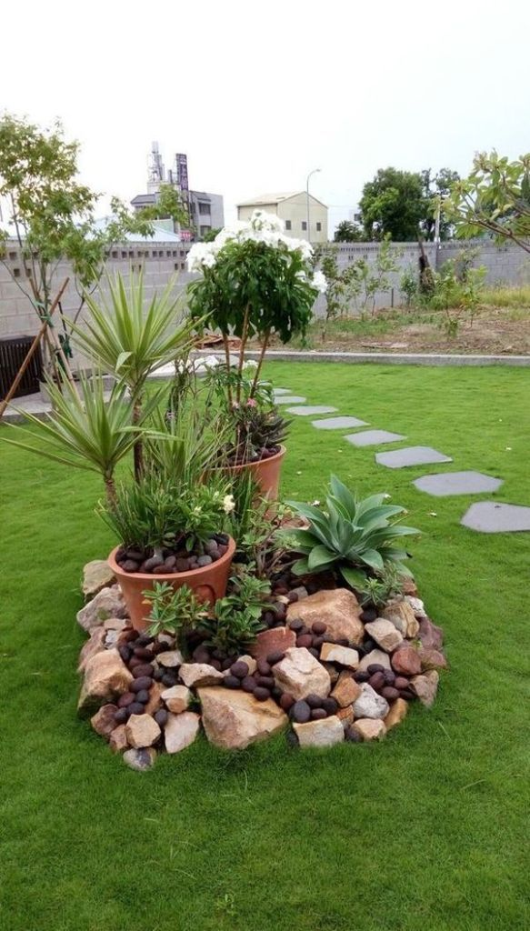 Amazing Diy Spring Arrangements That Remarkably Differentiate The Color And Decoration In The Garden In 2020 Rock Garden Design Small Garden Design Cheap Landscaping Ideas,Magazine Customer Service