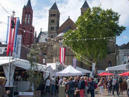 オランダ最大のフードフェス マーストリヒト'T Preuvenemint