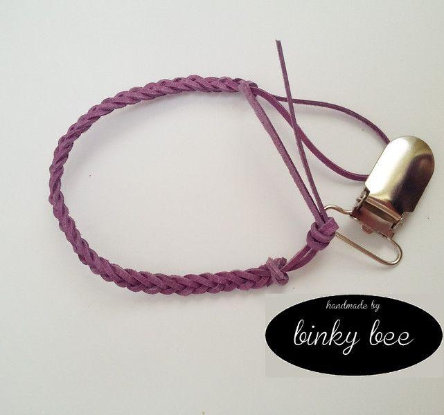 Zawieszka do smoczka - fioletowy warkocz w binky bee na DaWanda.com