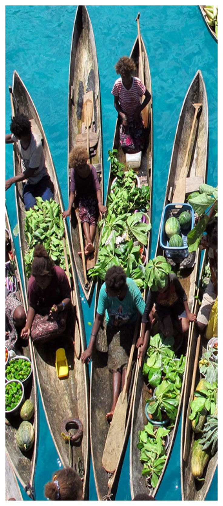 If you love the Solomon Islands as much as we do - make sure to visit the floating markets! #travel #amazing #culture