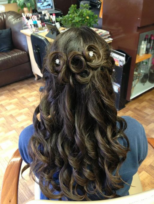 Half Up Half Down Prom Hairstyle Hair Styles Curly