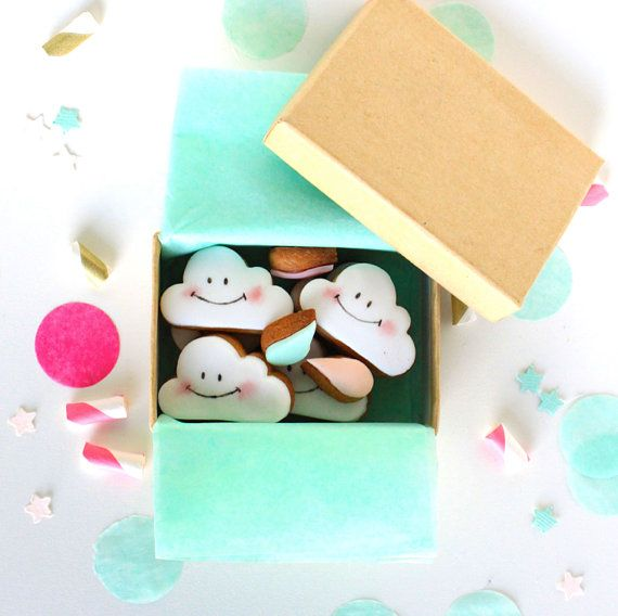 Mini cloud and small droplets cookies