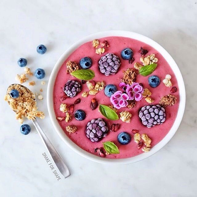 – @OrganicBurst Pink Acai Bowl whizzed up by the lovely Angelica @shakeforshape