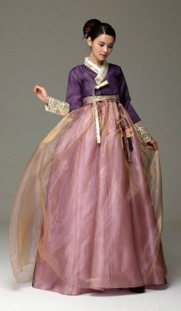 Seodamhwa - Wedding Hanbok designed by Song Hye-Mi - Traditional Korean Clothing (photo cropped)