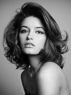 Long Bob Hairstyles - During the past few years bob hairstyles have came back in fashion with full force. If in the past bob hairstyles were associated with short to medium hair, nowadays this is no longer the case. Those who dont want to sacrifice the length of their tresses but still like bob hairstyles can opt for fashionable long bob hairstyles that will meet all their desires. Check out these long bob hairstyles for inspiration.