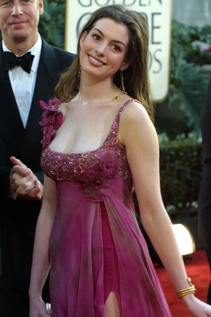 Anne Hathaway, a modern classic beauty, star of Dark Knight Rises as Catwoman, The Princess Diaries, Havoc, The Devil Wears Prada, and Interstellar. #annehathaway #brunette #brunettes