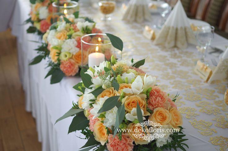 Morelowe dekoracje - ślub i wesele na Zamku Otmuchów