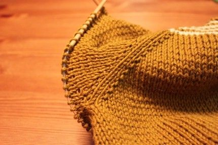 how to pick up the stitches for top down raglans: not to have hole that appears at the underarm