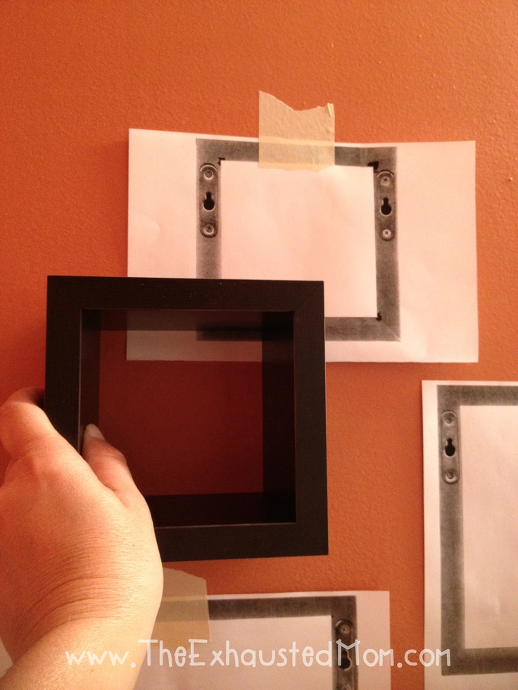 Copy the back of what you want to hang so that you can position your frame or cube on the wall without leaving unwanted marks.  Then put nail in the exact place needed.Good Ideas, Hanging Mi God, Framed Wall Cubes, Unwanted Mark, Exactly Places, Cgc Cleanhand, Favorite Pin, Hanging Welness Heller, Leaves Unwanted