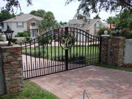 A gate for the driveway!