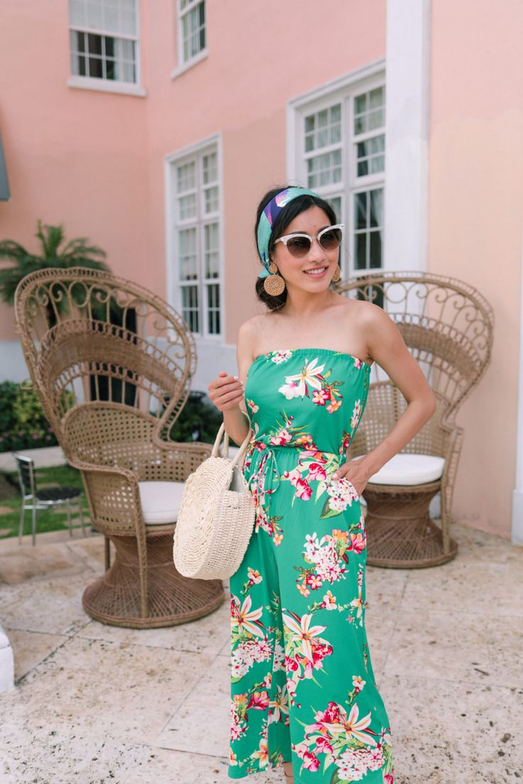 Resort type // Petite floral jumpsuit and head scarf coiffure
