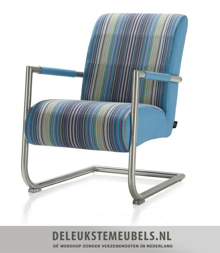 Stoere en moderne Angelica fauteuil van Henders & Hazel. Uitgevoerd in milano stripes in combinatie met moreno kunstleer aqua. Een echte eye-catcher en door de vele tinten makkelijk te combineren. Doe eens gek!  http://www.deleukstemeubels.nl/nl/angelica-bijzetfauteuil-milano-azuur-en-moreno-aqua/g6/p1420/