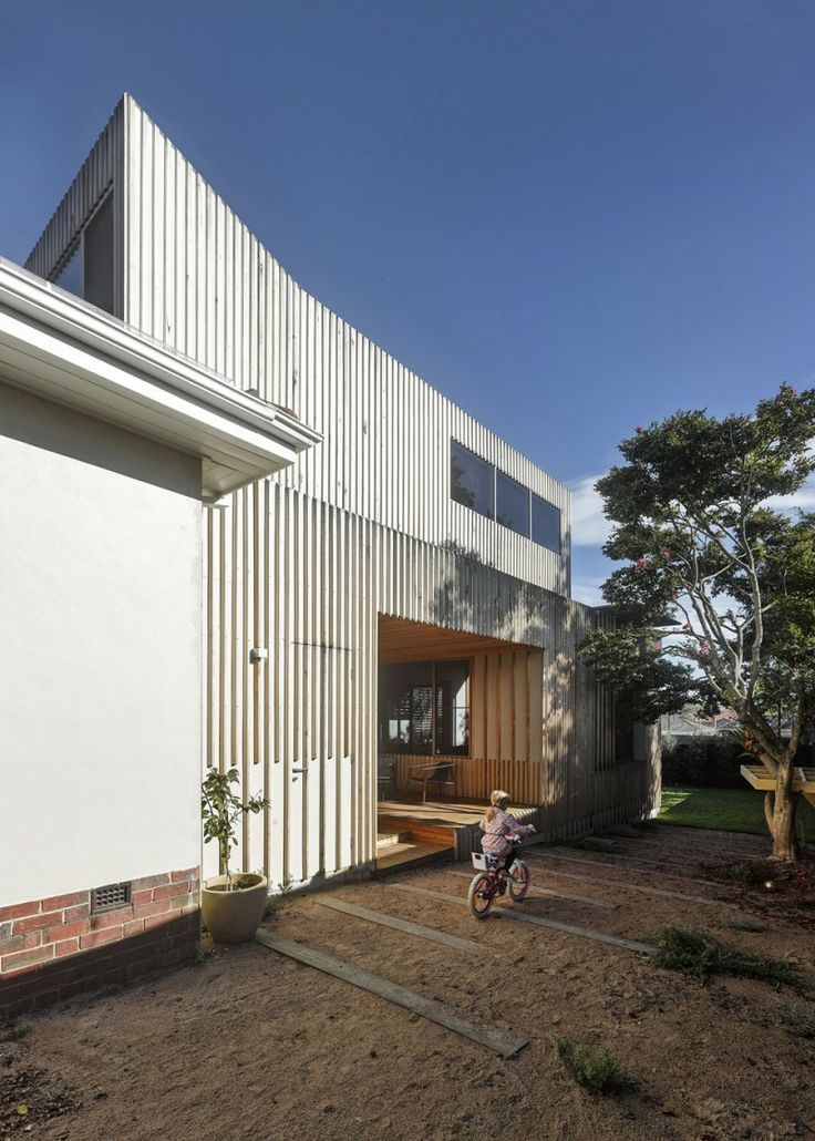 Skinny timber cladding - House in Brighton by FMD Architects