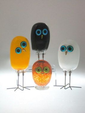 These whimsical creatures are handblown by David New-Small.  Pinned by www.myowlbarn.com