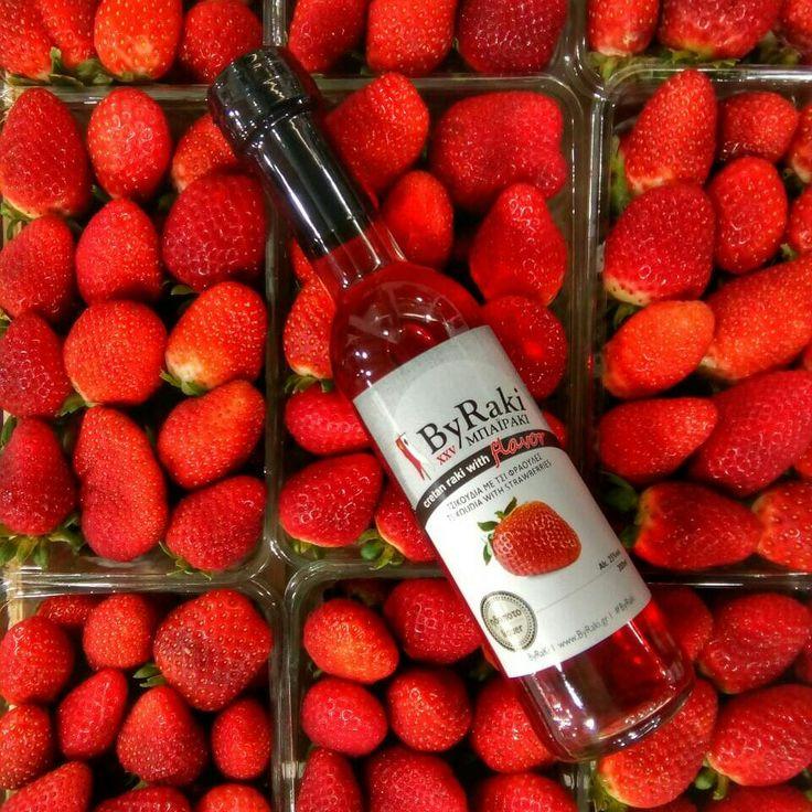 ByRaki flavor #strawberry 🍓 ΜΠΑΪΡΑΚΙ με γεύση #φράουλα #beverage #madeinGreece #madefromgrapes #tsikoudia #raki