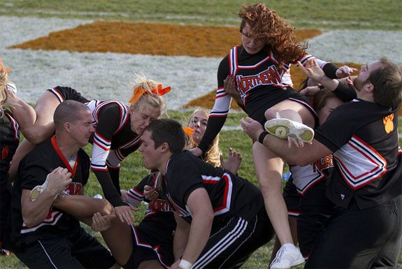 Well-Timed-Cheerleader-Fails-5