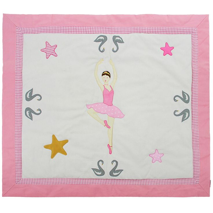 This quilt is made of 100% cotton fabric of very high quality and lightly fleeced to make it more comfortable for children. Some very pretty designs (prima ballerina, swans, stars ...) are embroidered and appliqued over the entire quilt. It fits perfectly to the size of the playhouse and thus makes it very cozy. Children can also use it as a play mat and to decorate their room.