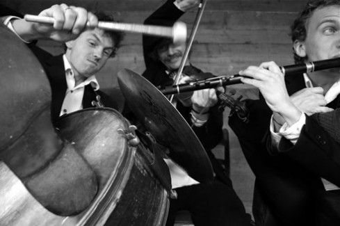 """Knee-deep in Heaven"" – One Month American Tour of Janusz Prusinowski Trio"