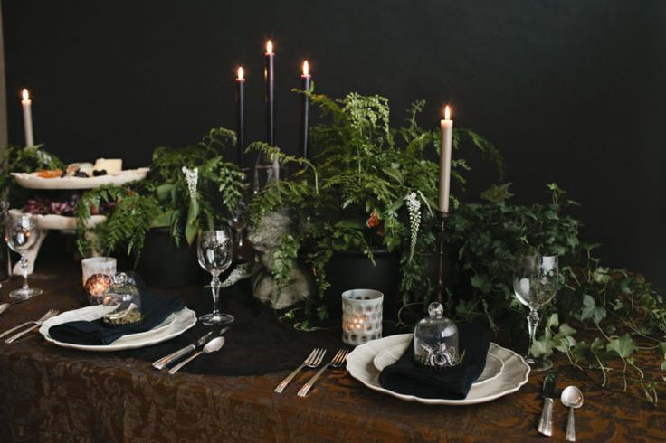 see how to get the look from our halloween tabletop on our latest eBay guide! // midnight in the garden of good and evil.