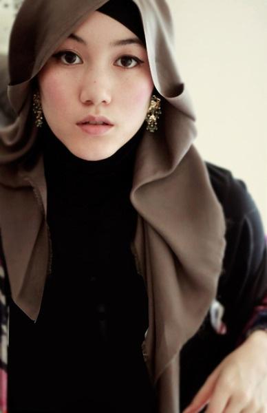 Hijab Chic - Hana tajima