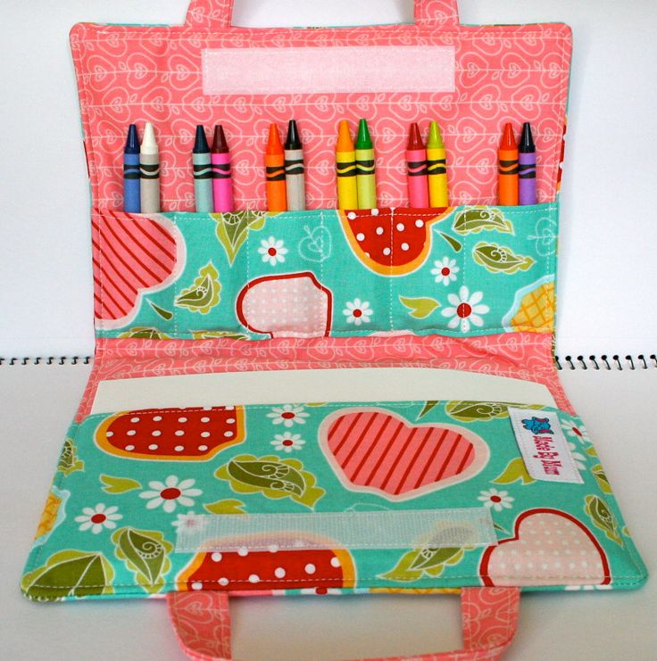 I love the idea of making an art wallet or travel bag for kids. Like I might sew one for my little brothers for Christmas