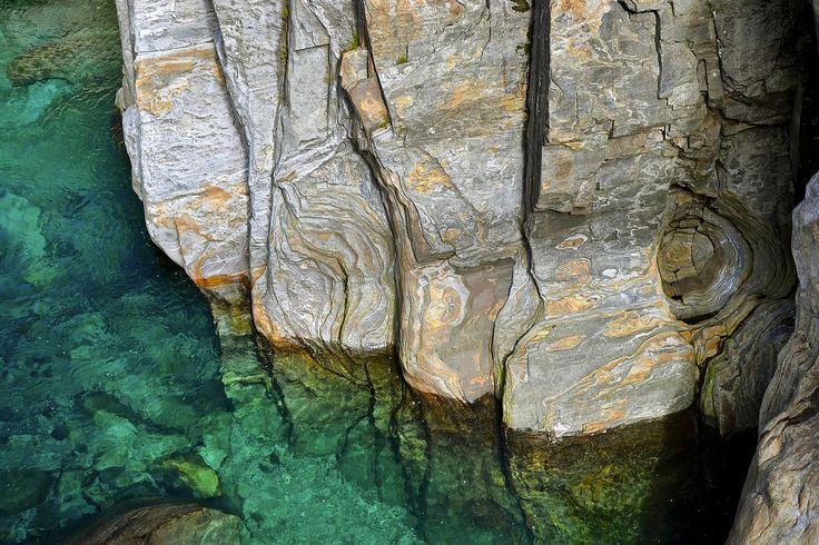 Torrente Verzasca, Canton Ticino, Svizzera