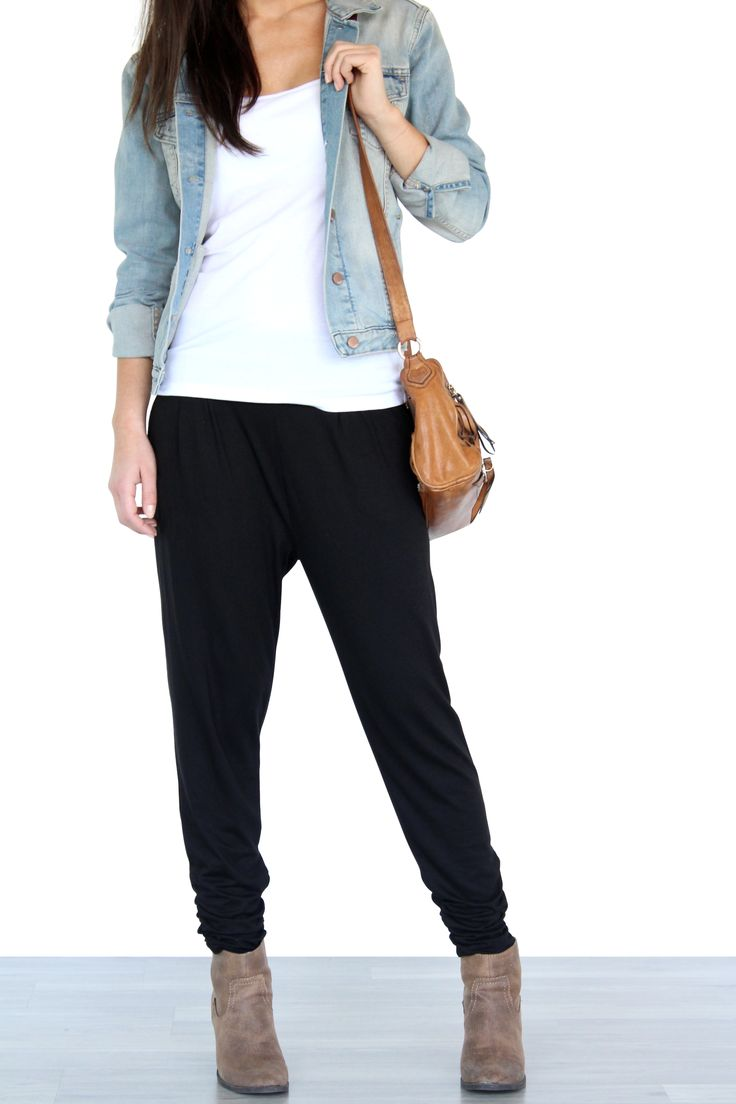 how to style harem pants. casual brunch ootd. style dressy sweatpants, dress joggers. Made in Canada by Encircled.