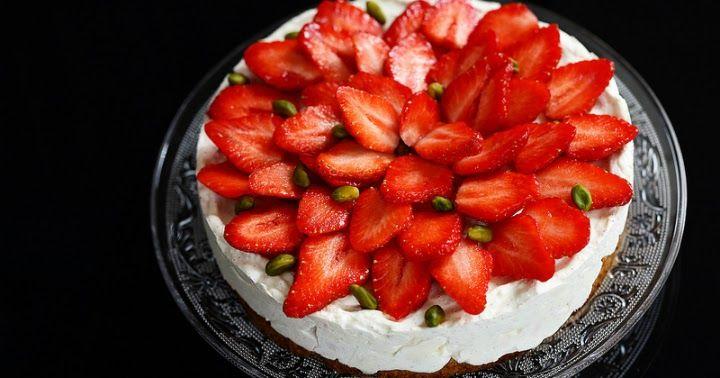 Un dejeuner de soleil: Cheesecake sans cuisson au mascarpone et aux fraises