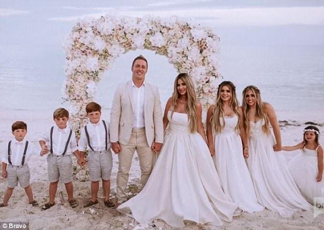 Kim Zolciak And Kroy Biermann Renew Wedding Vows In Turks Caicos Wedding Dress Gallery Kim Zolciak Wedding Dresses