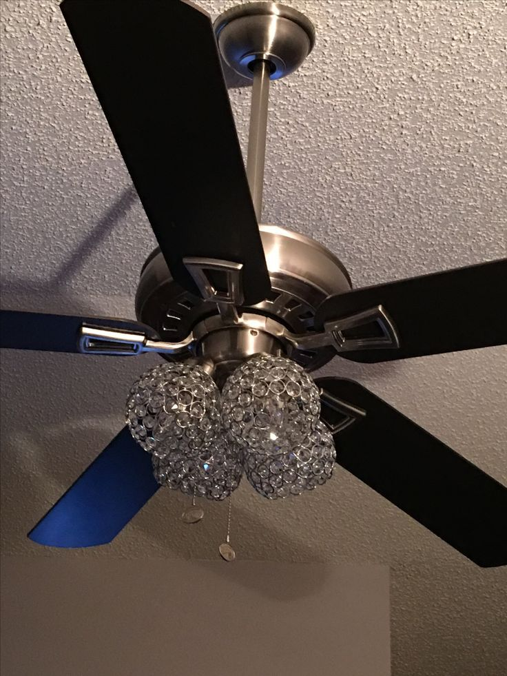 Makeover Ideas Before And Happy After Just Change Out The Globes And Voila Trendyideas Net Your Ceiling Fan Makeover Ceiling Fan Diy Ceiling Fan Globes