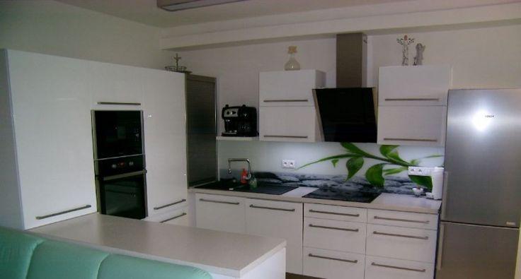 Kuchyně Přerov, vysoký lesk bílá + grafosklo, Kuchyně, Reference, Interiéry Doušek Přerov