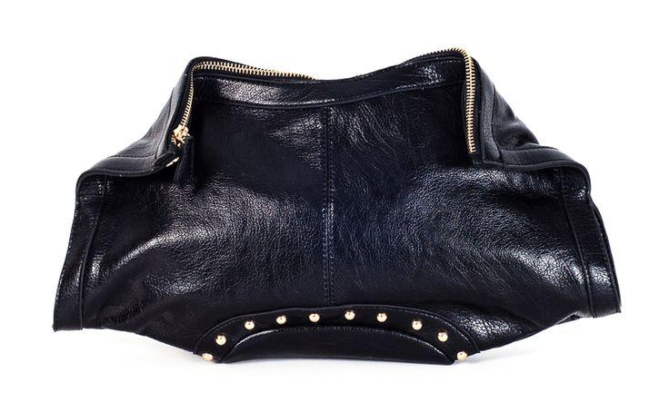 Το απόλυτο trend η τσάντα νυχτερίδα για τις πιο τολμηρές!
