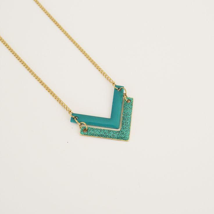 Bijoux Émaillé - Collier chevrons turquoise : Collier par adele-louise #chevron #glitter #boho