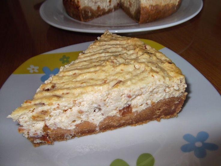 Cheesecake cu brânză de vaci și gem de mere