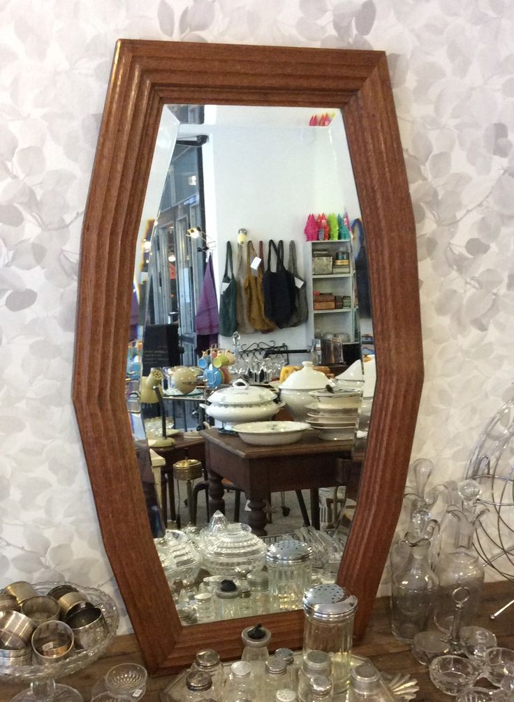 puukehyksinen fasettihiottu peili 30 luvulta Ranskasta . alkuperäinen ripustus vaakaan, mutta toimii myös pystyssä . 48x81cm . @kooPernu