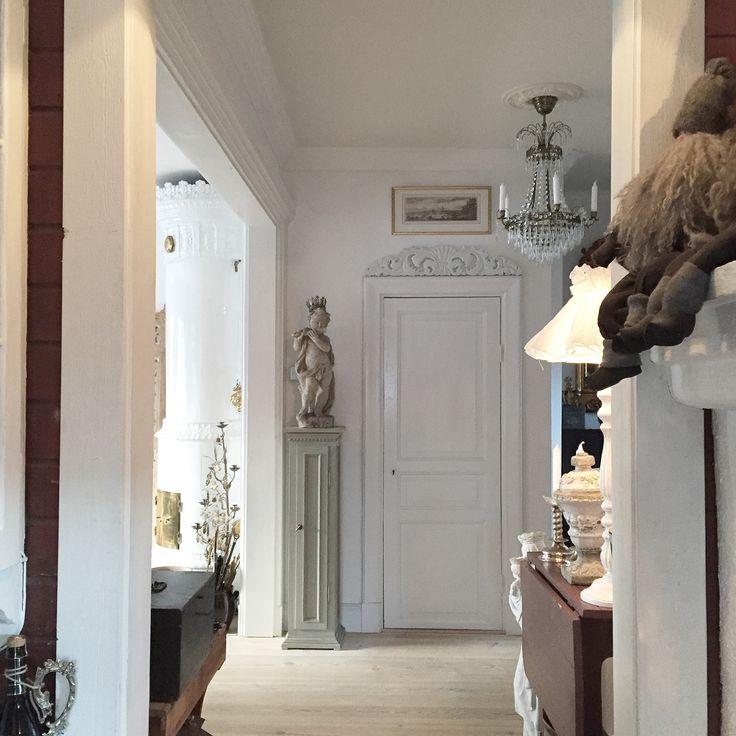 Renovering, sekelskifte, dörröverstycke