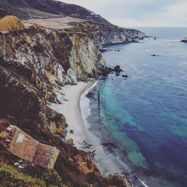 B i g  S u r:{big • sör} - noun  1.greatest Meeting of land and Water in the world.Californias Coast Where the Santa lucia Mountains rise abruptly from the Pacific Ocean.Longest and Most scenic strech of undeveloped Coast line in the United States #montereylocals - posted by trndlnbrg https://www.instagram.com/tre.n.di. See more of Big Sur at http://bigsurlocals.com