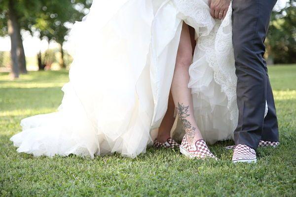 delle comode Vans come secondo paio di scarpe sposo e sposa o in alternativa, per risparmiare